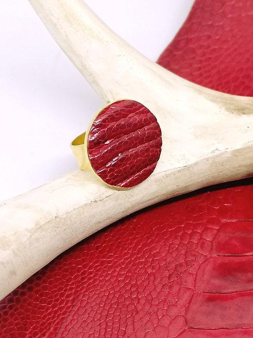 Ring in rode struisvogelpoot M44