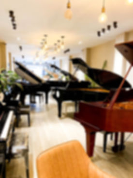 ピアノショップ.jpg