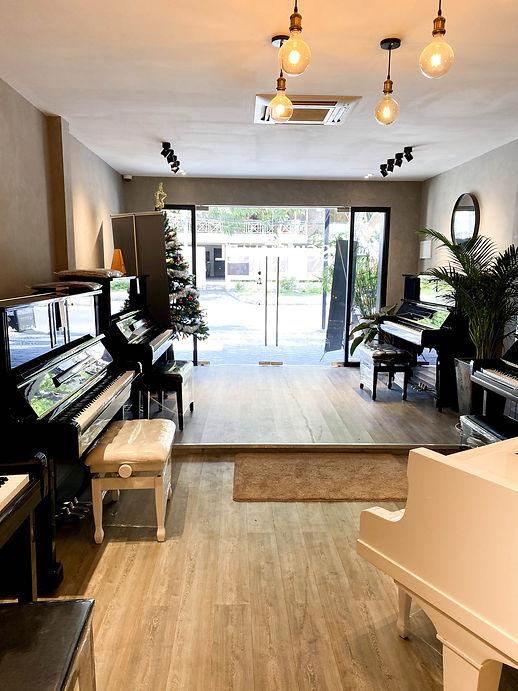 ピアノショップ-2.jpg