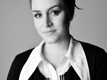 """Diretora de arte curitibana é parte de equipe premiada no Oscar, com a produção """"Mank"""""""