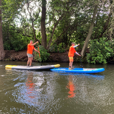 """""""A wonderful 2 hours paddling with Angela down the Basingstoke canal. Great few hours with a 12 and 16 year old... the only one to fall in was me whilst practising some turns. Angela make it relaxing and fun. Would highly recommend."""" - Michele K"""
