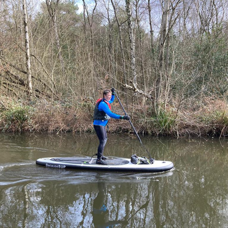 """""""ad a great lesson with Angela on the Basingstoke canal first time out on my sup . Very good comprehensive lesson  very happy and would definitely recommend thanks again."""" - Warwick T"""