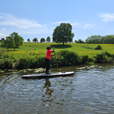 """""""Had a great day with Helen and the other newbies on one of her beginner sessions at Teston a couple of weeks ago. Helen was an excellent teacher, very patient, fun, and had us all up and paddling in no time at all. She gave us lots of information about tides, wind direction, the sort of equipment to buy and where to buy it. Looking forward to joining one of the skills and drills classes to further my paddling skills very soon. Thank you Helen."""" - Jennifer H"""