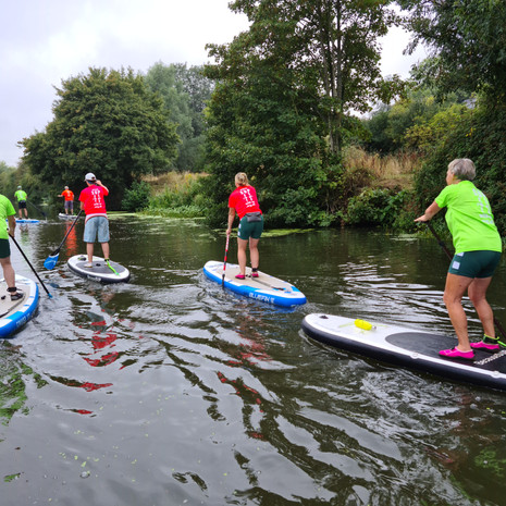 """""""We had a lovely 2 hour session with Helen on Saturday. We were all complete beginners so were learning from scratch - miraculously (or perhaps due to Helen's expert tuition), none of us fell in! The stretch of river from Teston is very pretty and a nice environment to get to grips with SUPing. Highly recommend."""" - Louise A"""