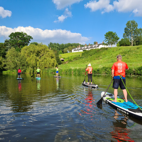 """""""We enjoyed the most peaceful and reassuring paddleboard lesson along Teston with Helen. For our first lesson, we both felt supported and chuffed to bits that we stood up and remained dry!!!! Thank you. Highly recommended."""" - Johan R"""