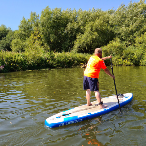 """""""Had a fantastic lesson with Helen, really helpful and supportive. Would recommed to anyone. I had looked at courses all over and this course was perfect as I'm planning on paddleboarding on the Medway anyway and it was easier to fit into my busy week as local. Enjoyed it so much I'm going to do it again."""" - Chris S-S"""