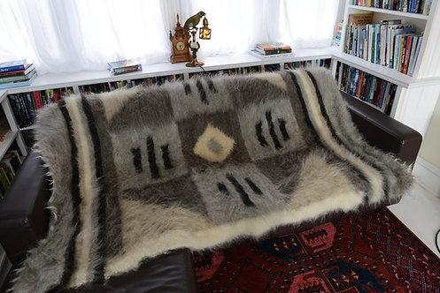 Lizhnyk - Handmade 100% Wool Blanket 142cm x 209cm Traditional Ukrainian