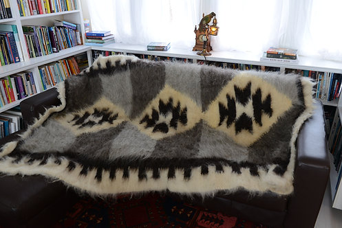 Lizhnyk - Handmade 100% wool traditional blanket