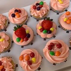 Skittle cake .jpg