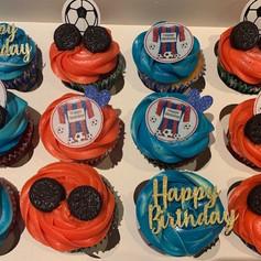 Crystal palace cupcakes .jpg