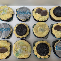 Oreo and vanilla cupcakes .jpg