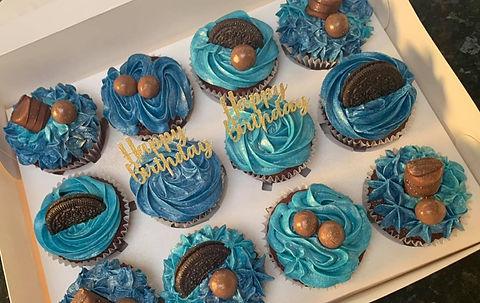 Blue%20cupcakes%202_edited.jpg
