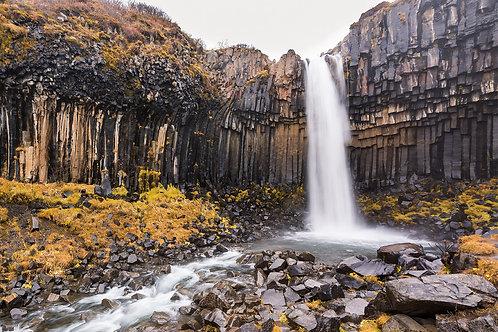 Cascada Svartifoss - Islandia