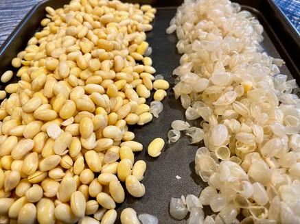 Peeling soybean skin