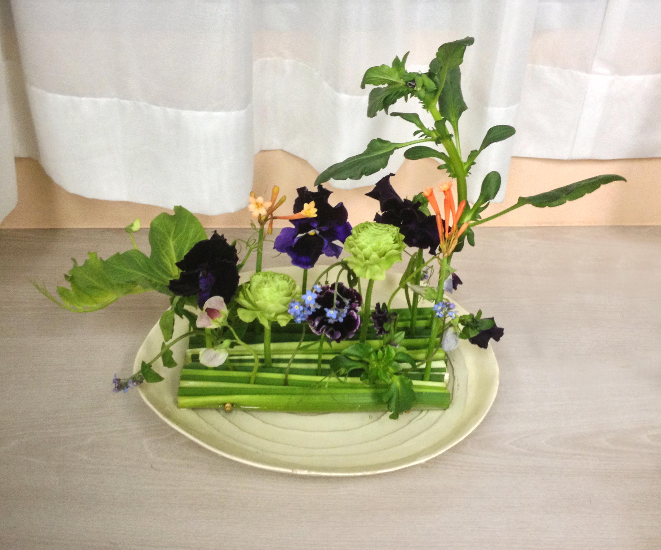 Lush hanakubari arrangement