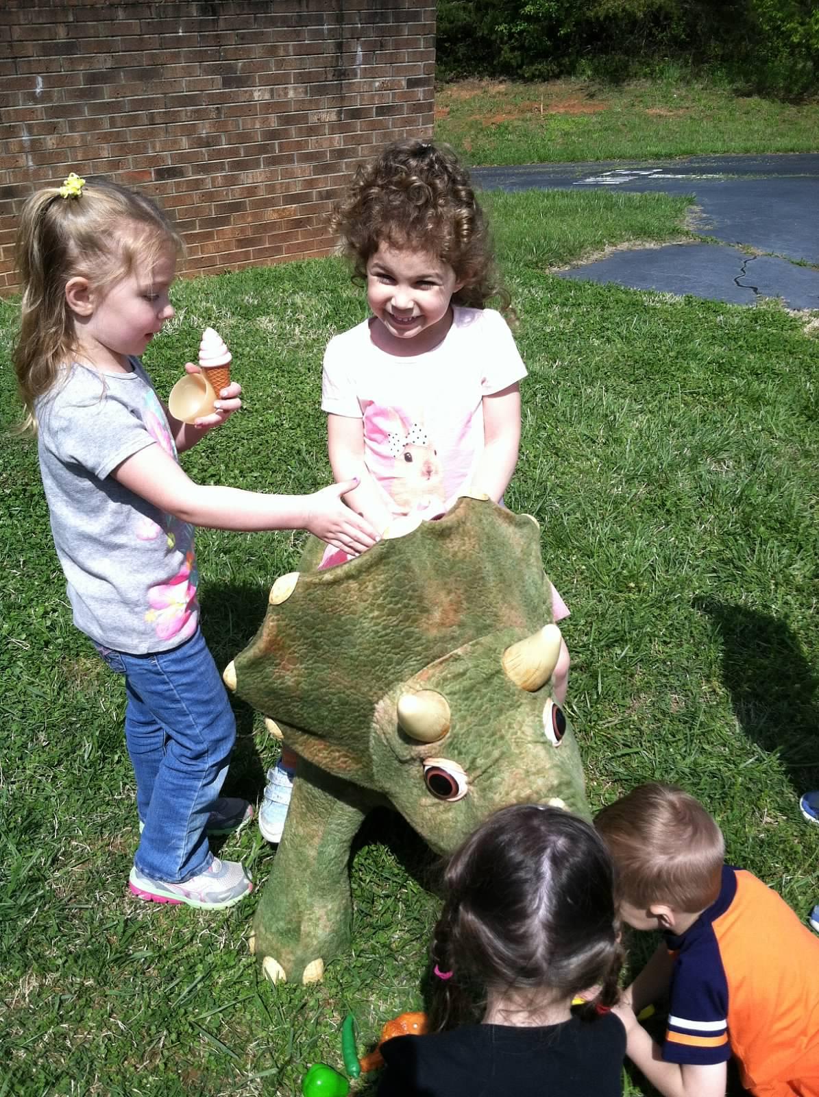 Daniela+and+dinosaur