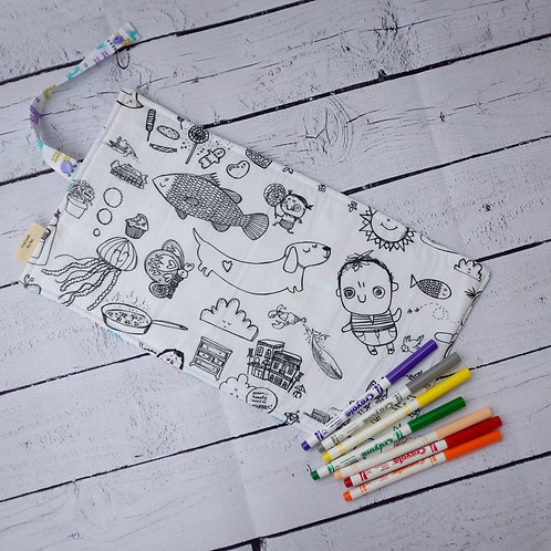 Giraffe with Every day world Colouring Mat