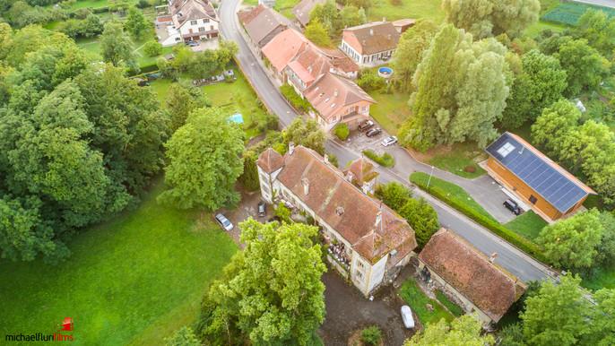 Luftaufnahmen: Schloss Vallamand VD (Murtensee)