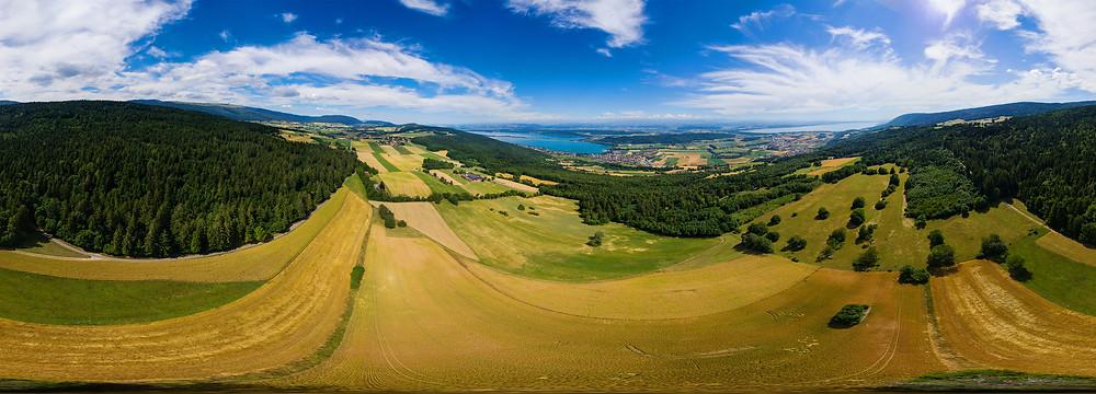 360°-Panorama mit Sicht auf den Bielersee