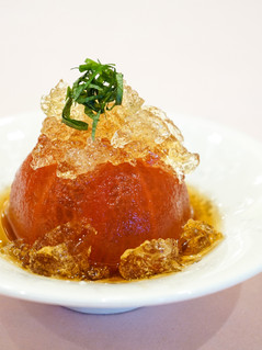 海老出汁ジュレ添えの冷製トマト
