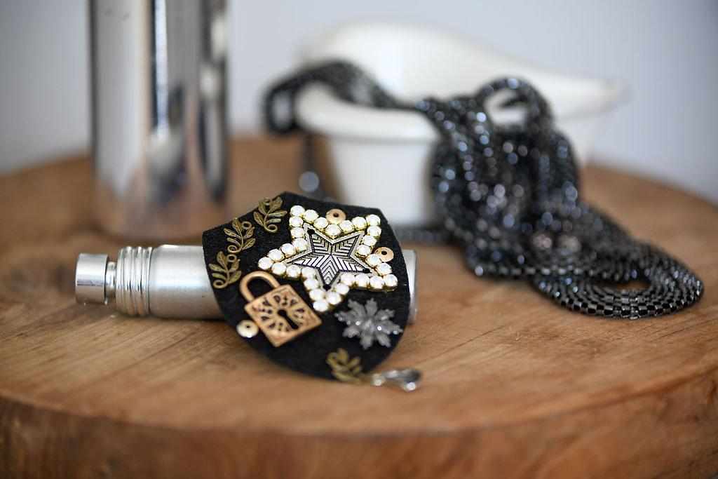 Broche Ecusson Pin's Star - Panames & Co - Modalova