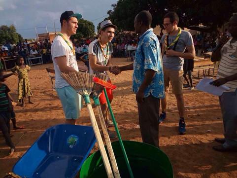 Les scouts de Chaponost à Gon-Boussougou
