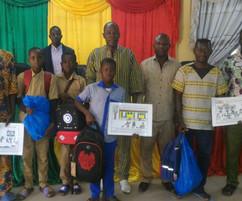 Remise des prix du concours d'affiches à Gon Boussougou