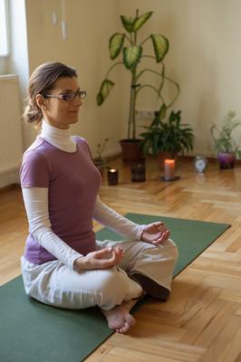 Élj harmóniában Jógastúdió meditáció