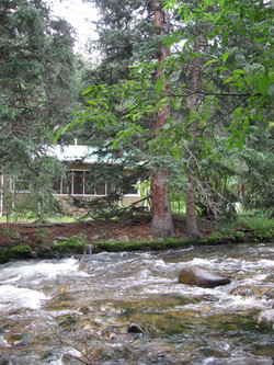 River Rest Mountain Cottage