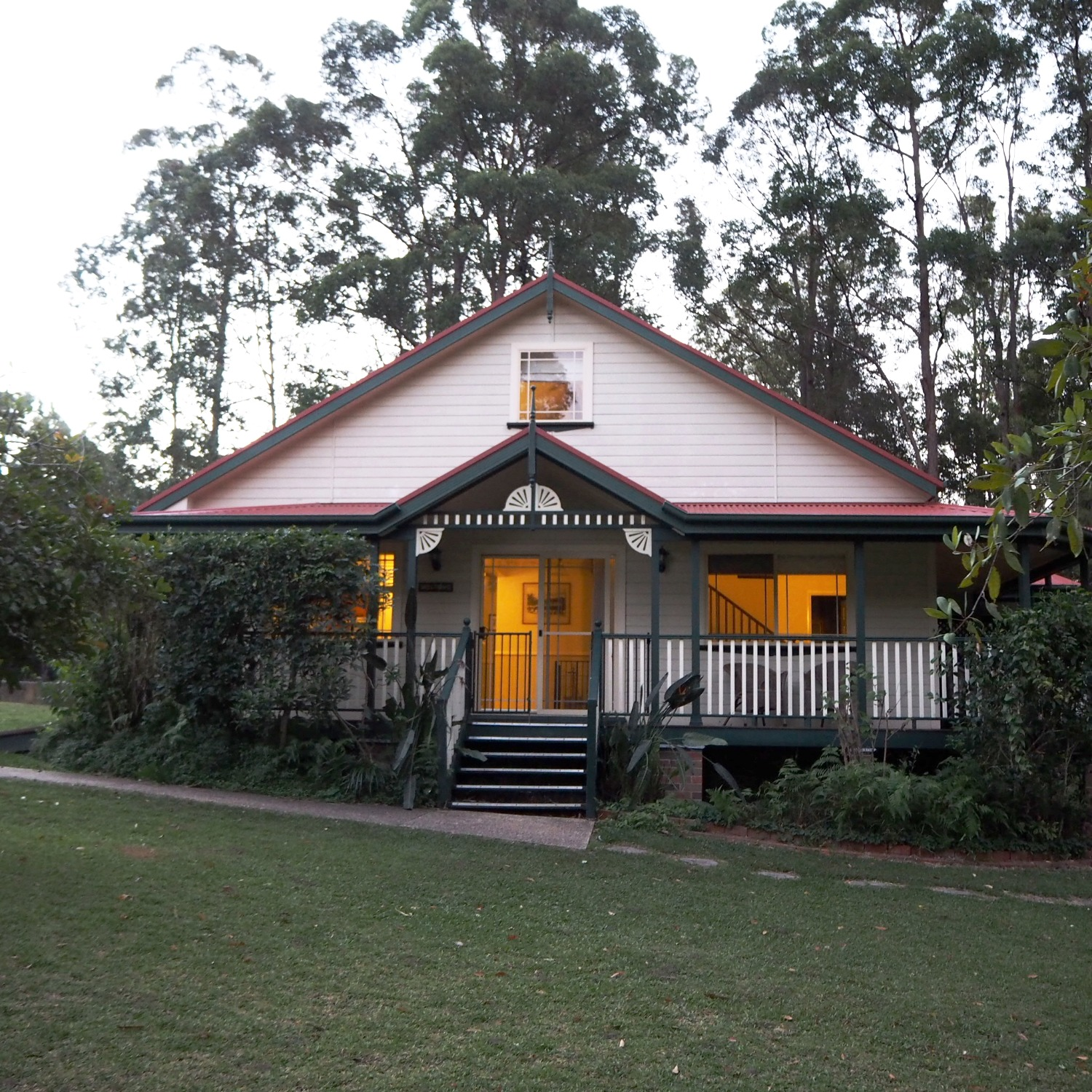 Port Macquarie farm stay accommodation w
