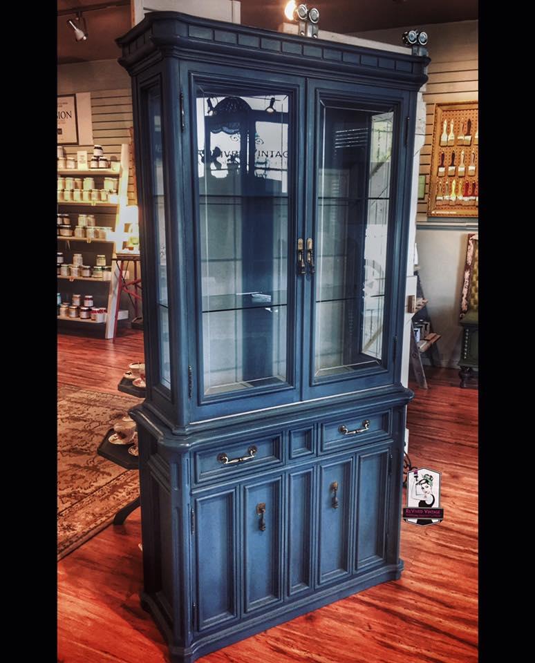 flow cabinet.jpg