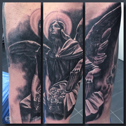 Angelic statue, on a lower arm. Done at Fallen Angel Tattoo in Gävle, while I worked there.