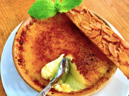 Crème Brûlée Maison et Son Biscuit aux almonds