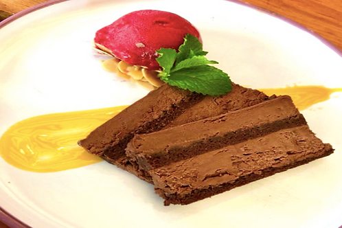 Nga Sangkaya /Dark chocolate mousse cake