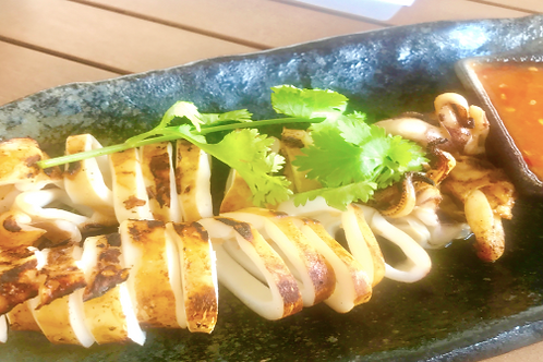 Pla Mouk Yang/ Squid grilled on charcoal