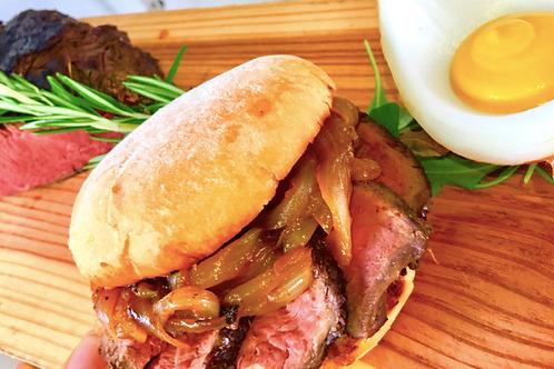 Pad ka Prayo/ Steak burger with chili and basil