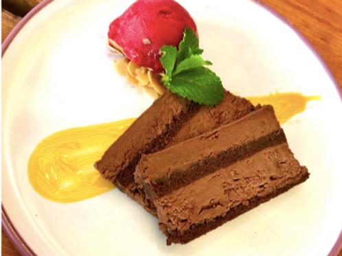 Mousse de Chocolat amer et son coulis de Framboise