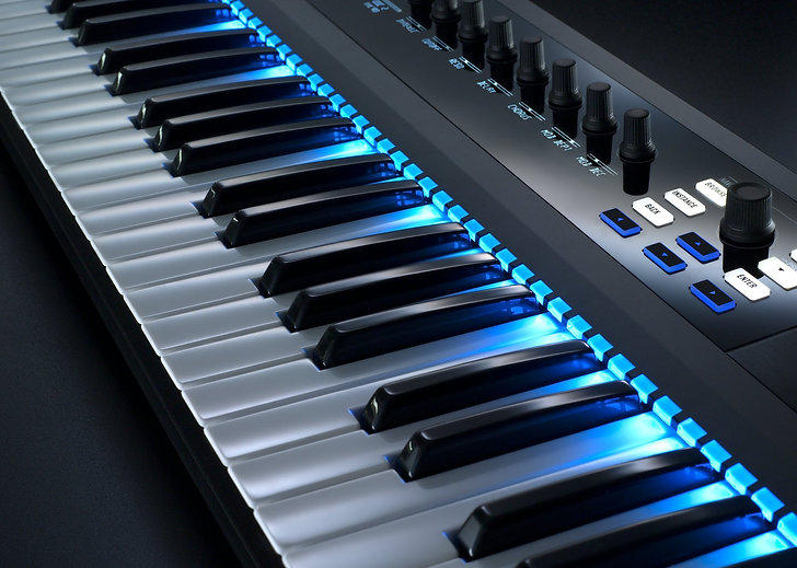 NI_Komplete_Kontrol_S-Series_Keyboards_P