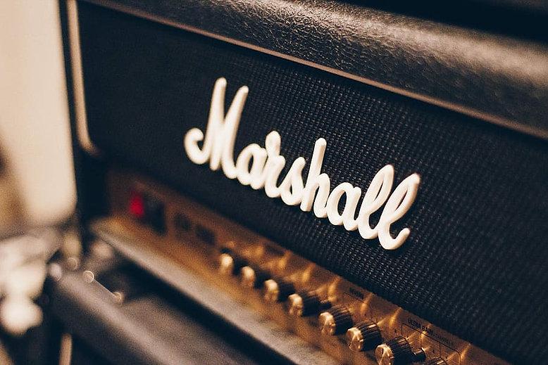 marshall-speaker-amplifier-amp.jpg