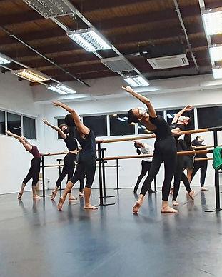 ballet%20beginners_edited.jpg