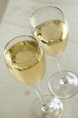 marie_nelly_HENNEQUIERE_-_champagne_hennequière045_edited