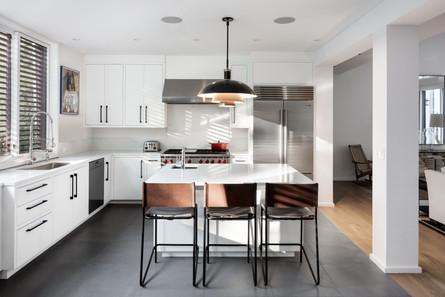 Bridgehampton-house-dining-kitchen-wood-