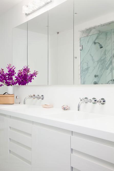West-village-apartment-modern-bath-white