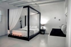 Leucippe (Bridal Suite)