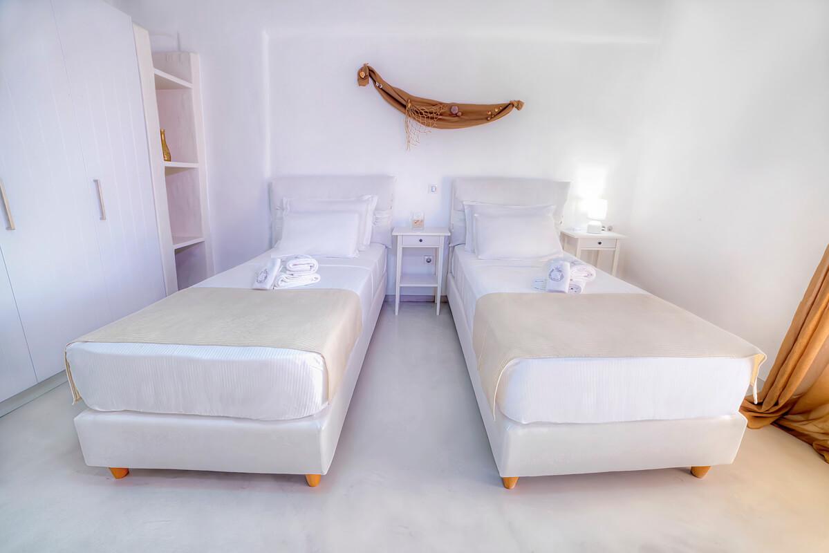 Cerceis room