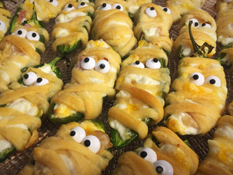 """Bacon Cheddar """"Jalaween"""" Poppers"""