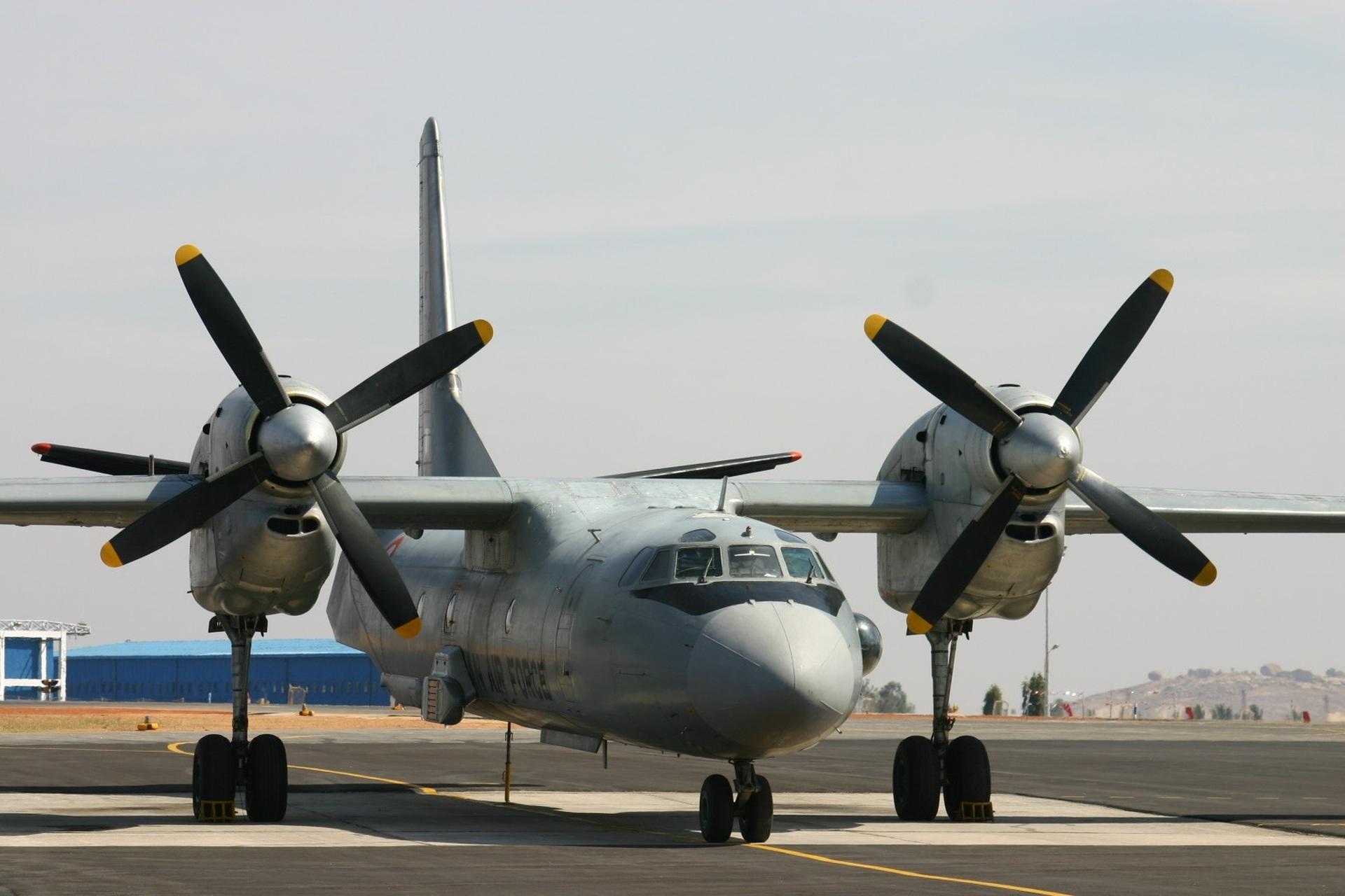 Antonov-An-32