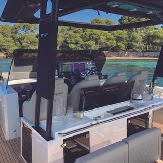 De Antonio Yachts_D42 Open_03.jpg