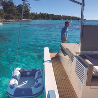 De Antonio Yachts_D42 Open_06.jpg