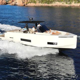 De Antonio Yachts_D42 Open_01.jpg